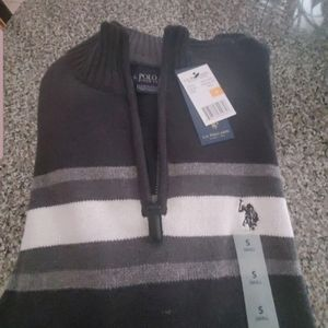 Mens size small US Polo Assn sweater charcoal